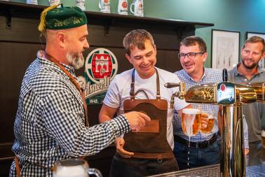 Škola čepování piva Pilsner Urquell (30)